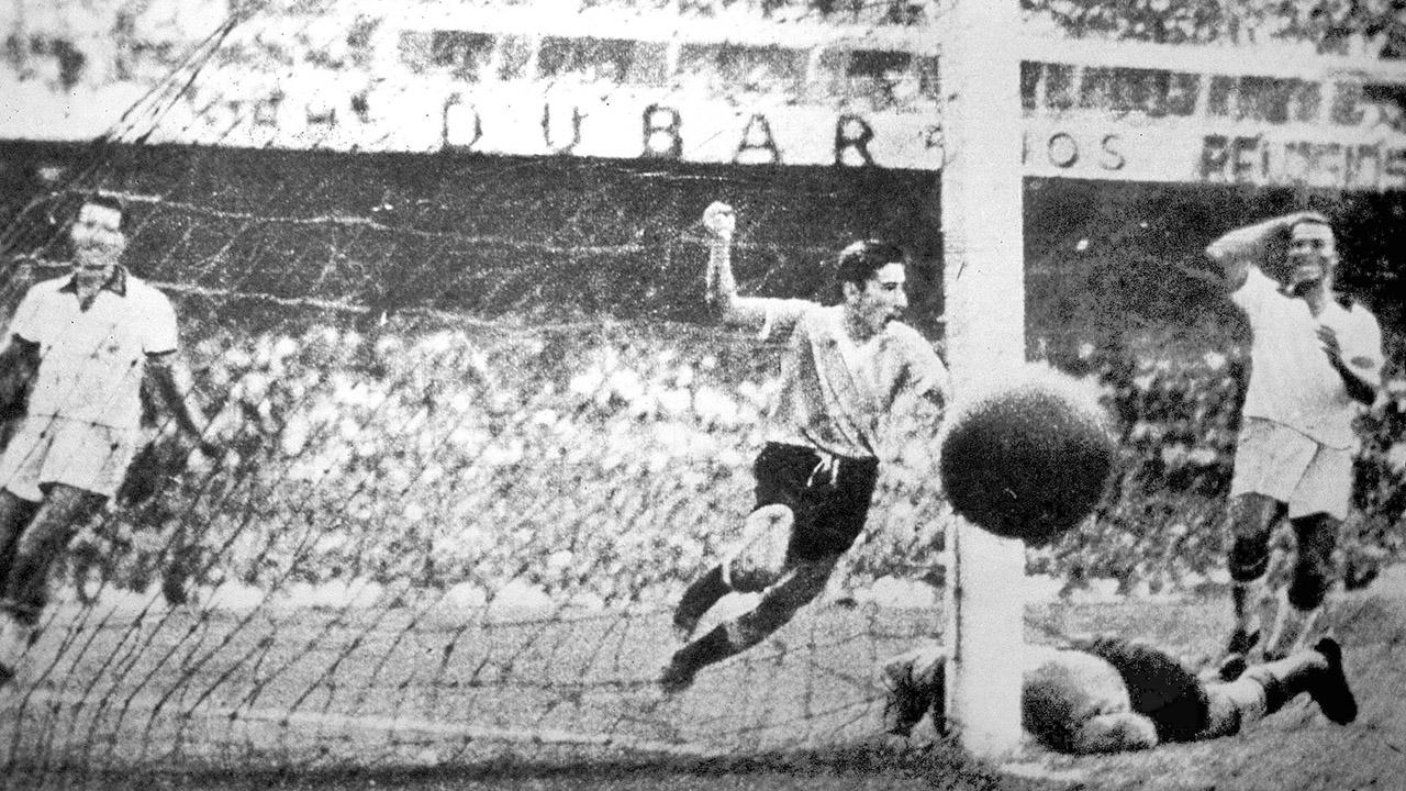 Ghiggia Brezilyalıları ağlatan golü atıyor