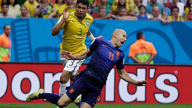 Arjen-Robben-Thiago-Silva