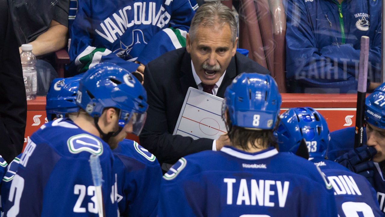 Canucks_regroup_1280
