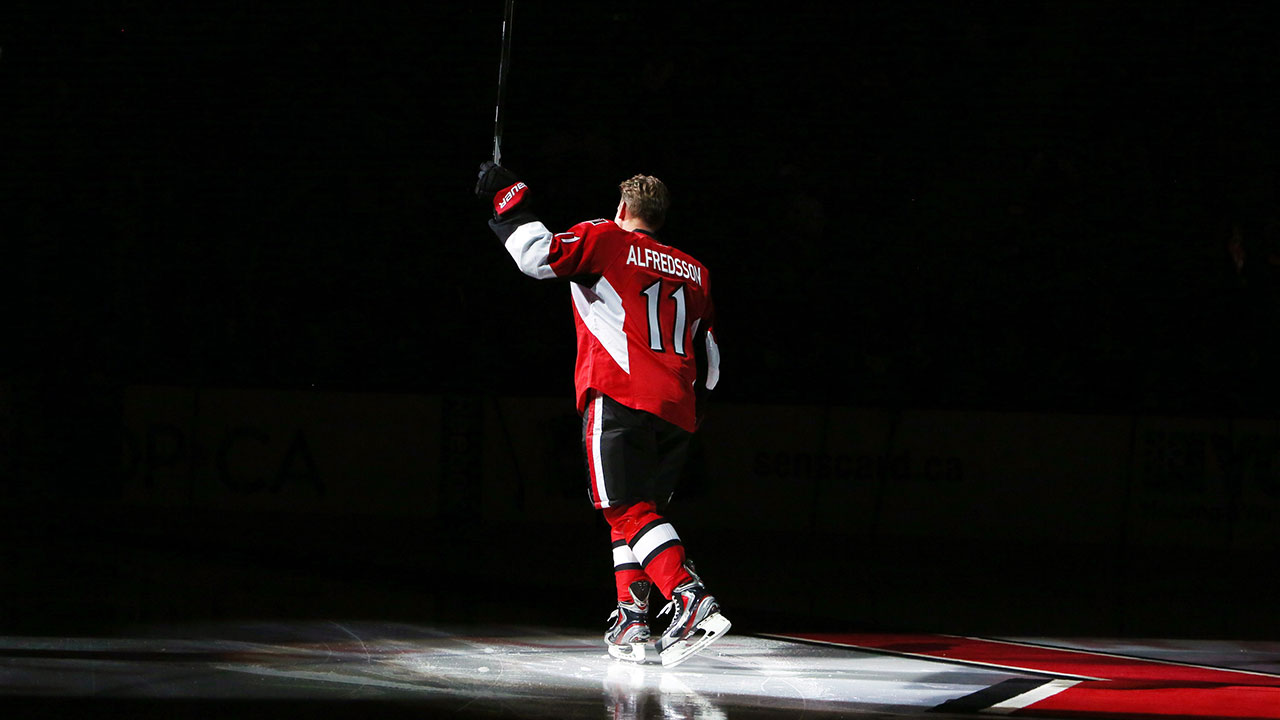 e552312c0 Former captain Alfredsson has his No. 11 retired by Senators - Sportsnet.ca