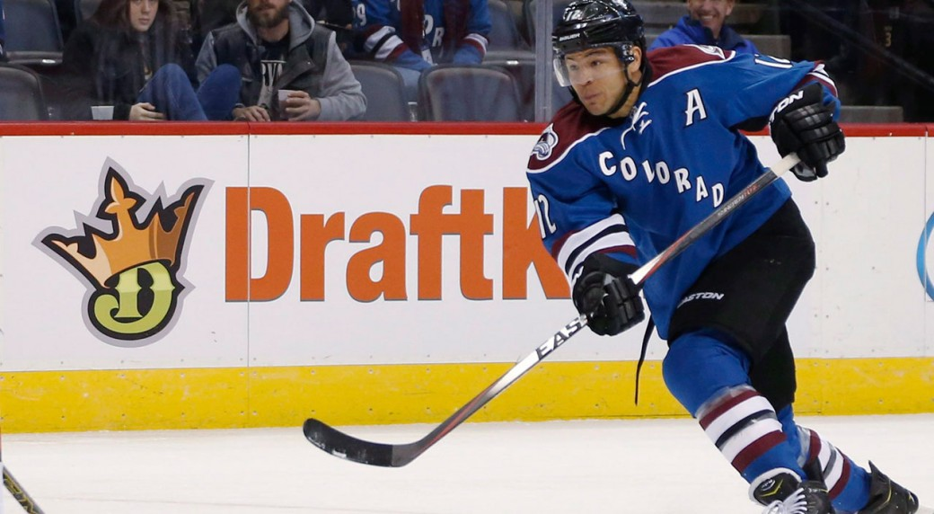 df6255bf24e Colorado Avalanche forward Jarome Iginla considered signing with the Tampa  Bay Lightning. (David Zalubowski AP)