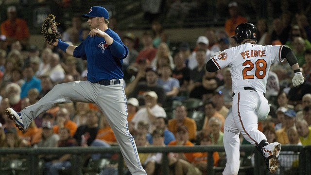 Smoak's glove a difference-maker for Blue Jays