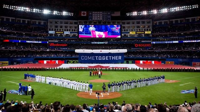 Manfred: MLB controls whether Rogers Centre roof will be open