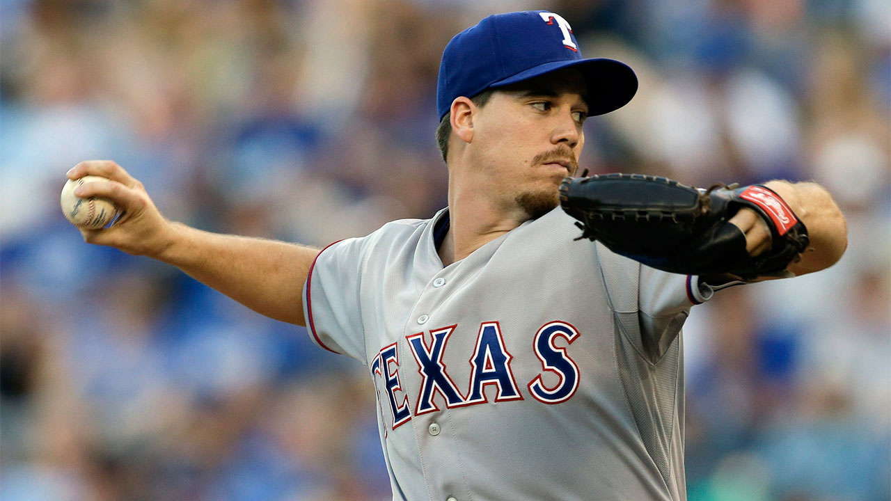 Rangers' Chi Chi Gonzalez out with torn ligament in elbow