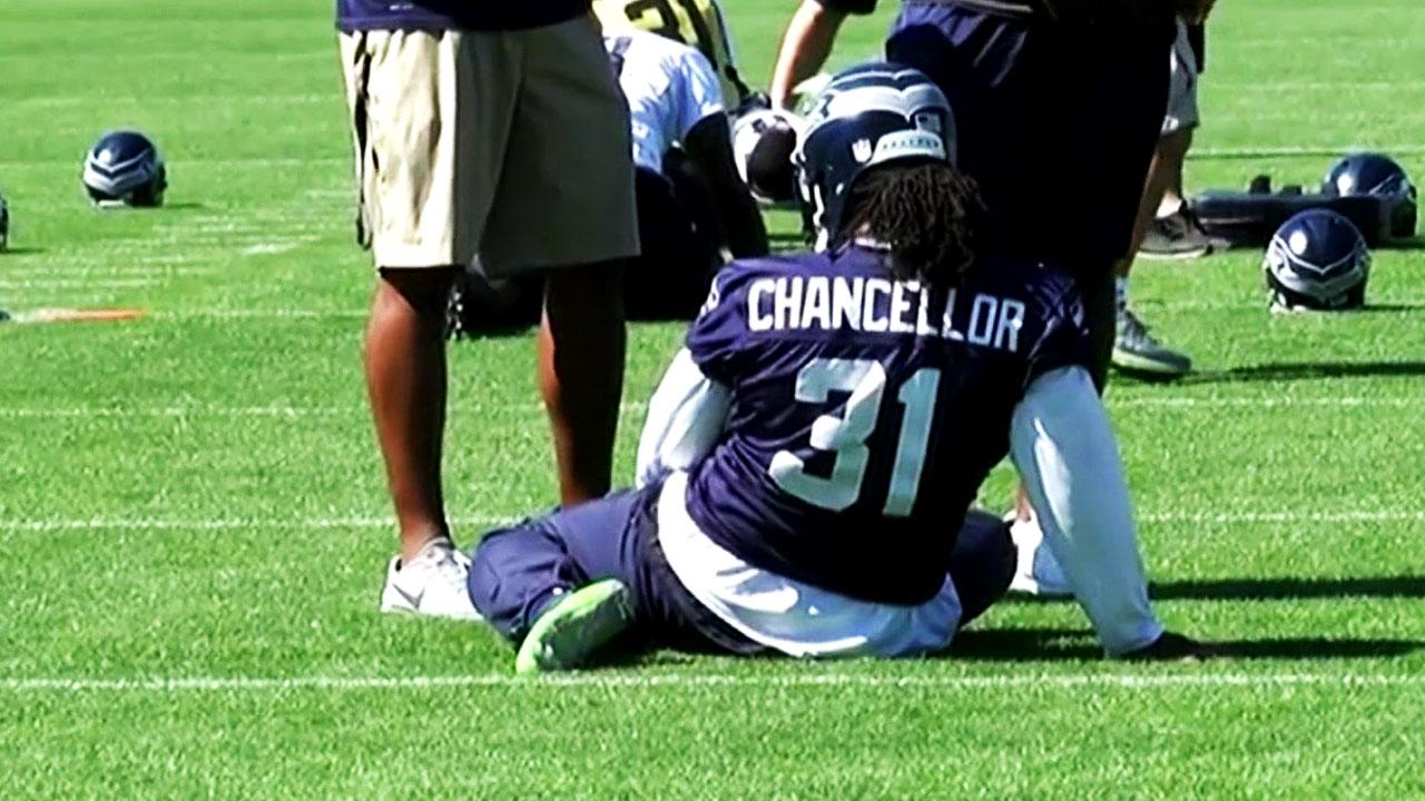 Gotta See It  Lynch wears Chancellor s jersey in practice - Sportsnet.ca 1bf851eb7
