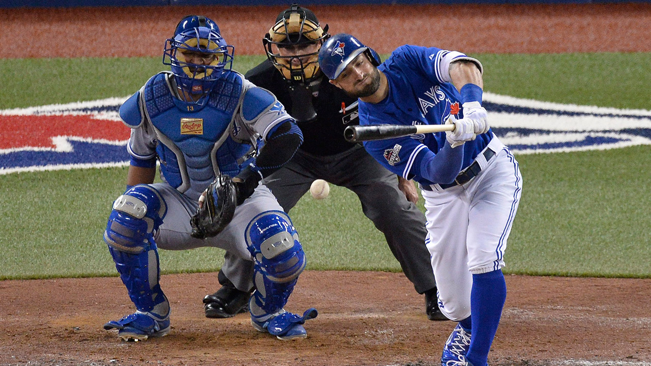 Toronto Blue Jays' Kevin Pillar hits a single (Chris Young/CP)