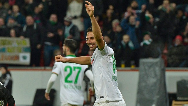Pizarro hits milestone as goals flow in bundesliga 15 for Life fashion bremen