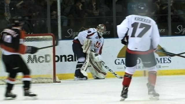 WHL: Lethbridge Goalie Does Flyby After Scoring (video)