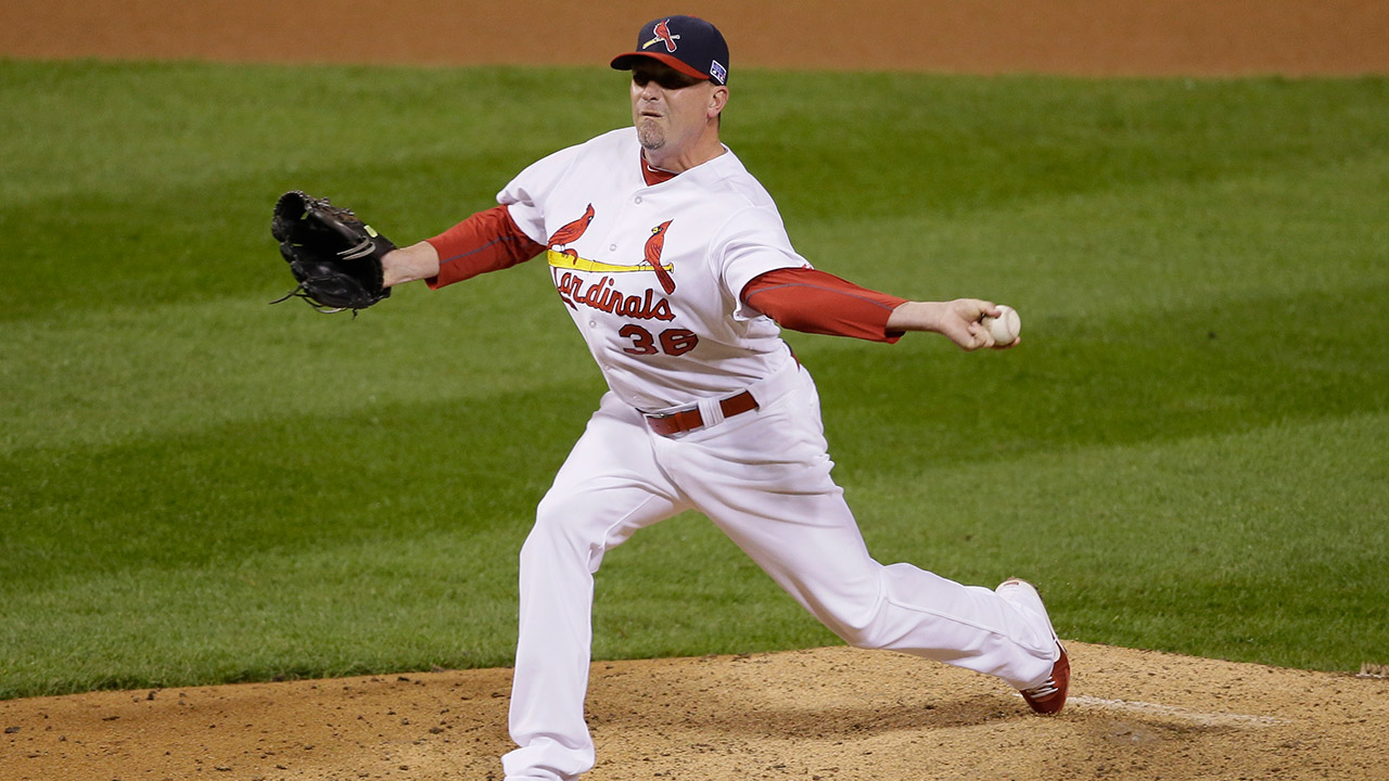 St. Louis Cardinals relief pitcher Randy Choate throws during the seventh inning in Game 2 of the National League baseball championship series. (Charlie Niebergall/AP)