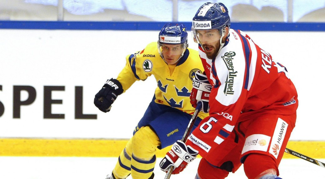 Blackhawks Sign Czech Defenseman Michal Kempny