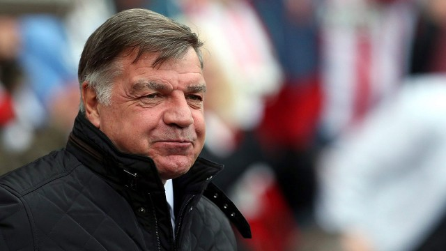 England-manager-640x360