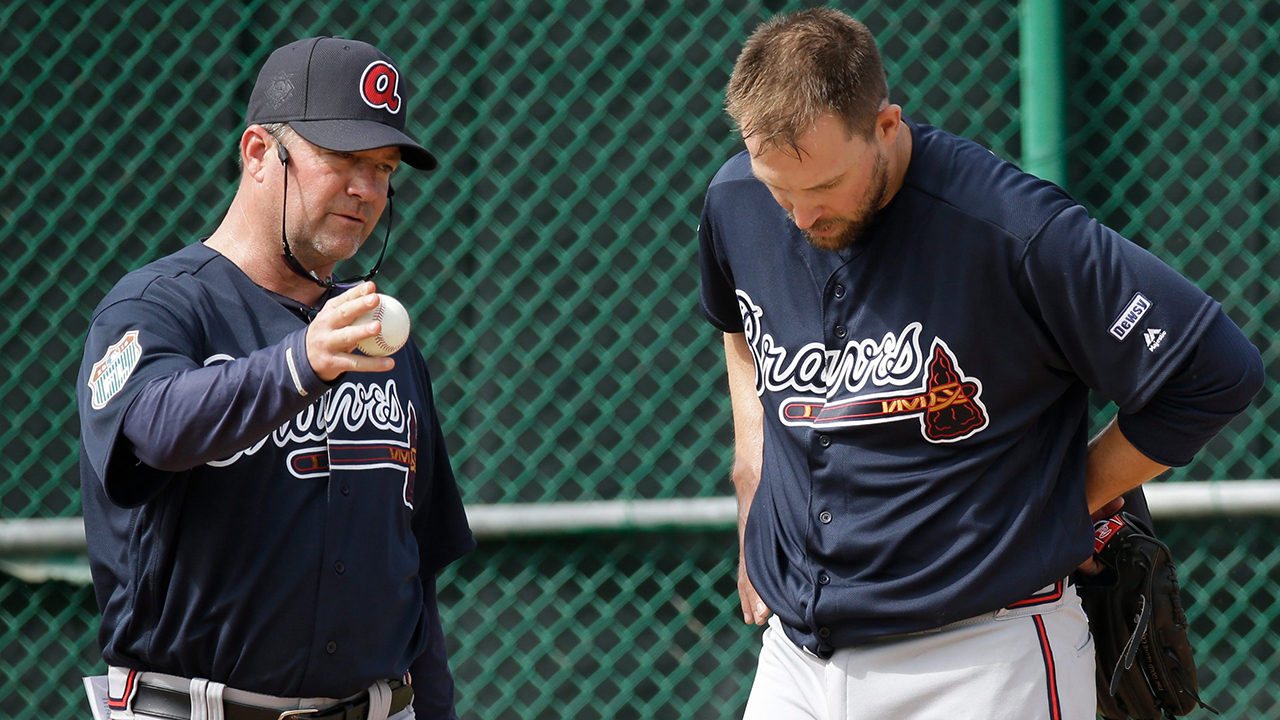 Braves dismiss longtime pitching coach Roger McDowell ...