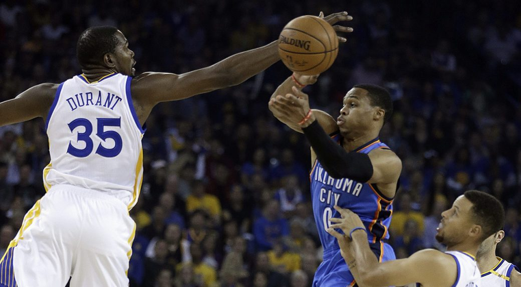 Warriors  Durant goes off for 39 points against old Oklahoma City ... 6fa10ac1a