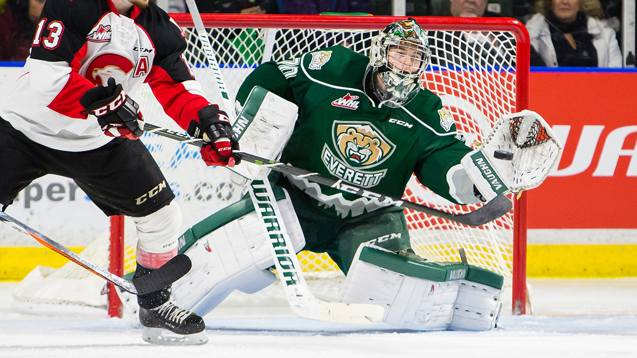 WHL: Roundup - Silvertips Hand Pats Rare Regulation Loss