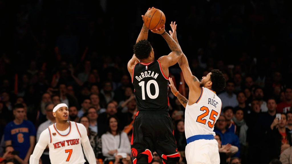 e41104f52a0 DeRozan s game-winning jumper lifts Raptors over Knicks - Sportsnet.ca