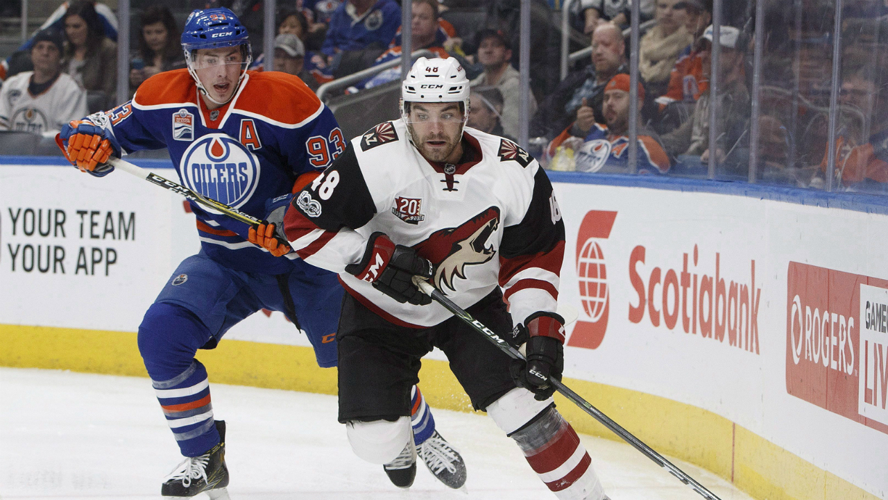 Coyotes, Jordan Martinook settle on 2-year deal in arbitration