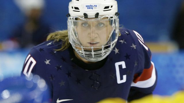 USA Hockey says it'll talk to players' lawyers about dispute