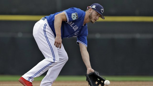 Donaldson completes fielding drills, creeps closer to full return