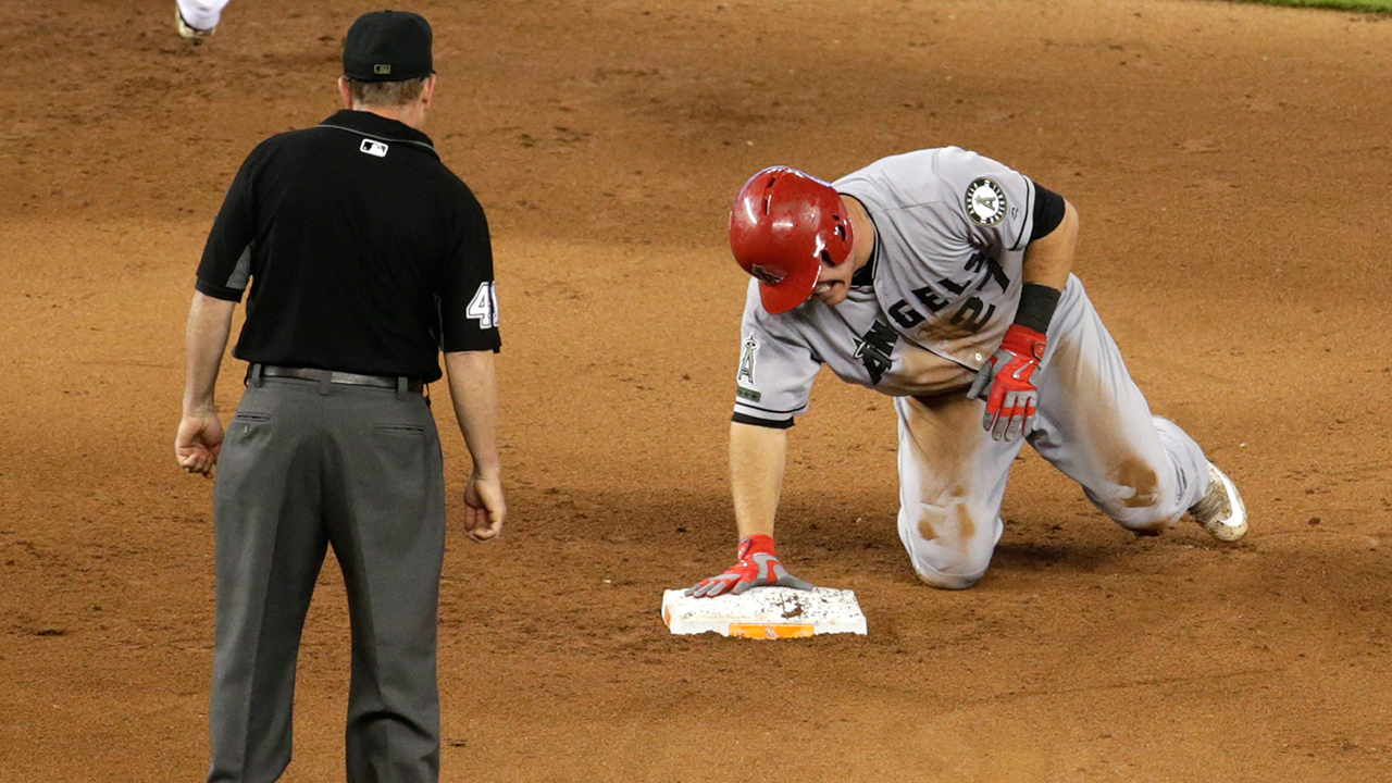 Was Buster Posey right to stand idle during Giants-Nationals brawl?
