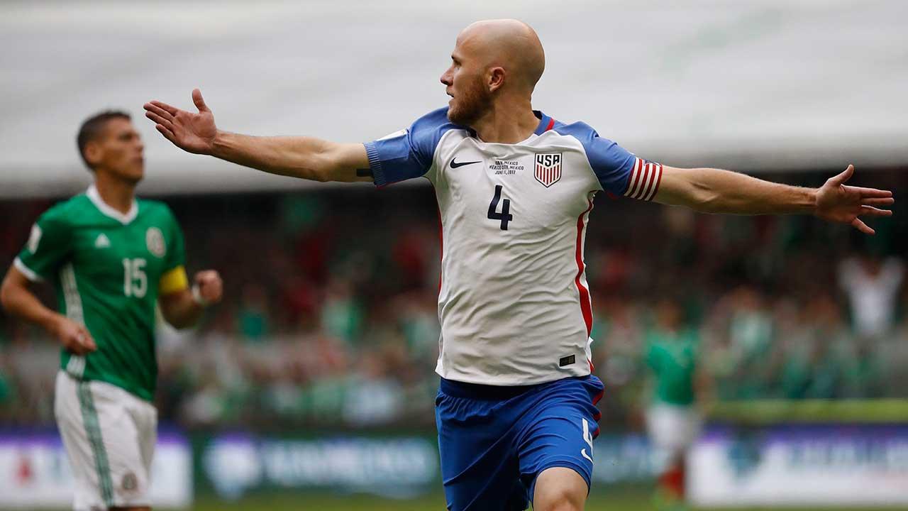 Watch: TFC's Bradley scores ridiculous goal vs. Mexico