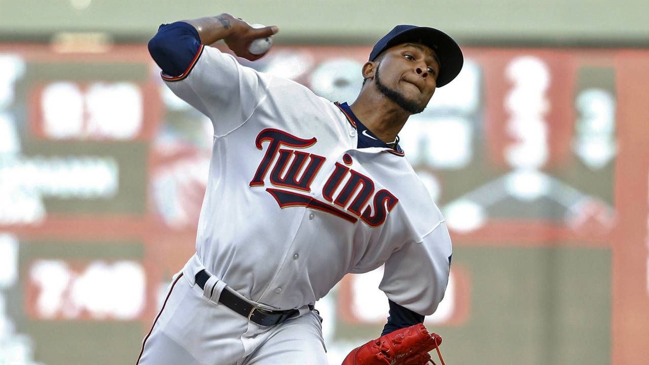 Twins score eight in the eighth in win over Tigers