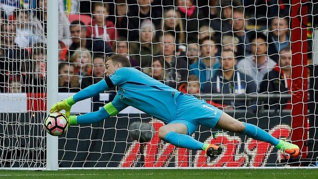 England goalkeeper Joe Hart joins West Ham on loan from City