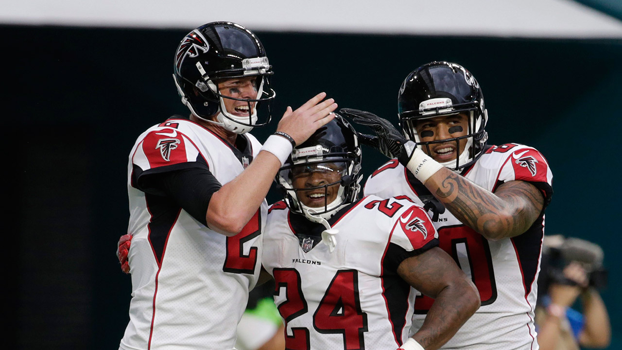 Devonta Freeman scores but Falcons blow lead and lose to Dolphins