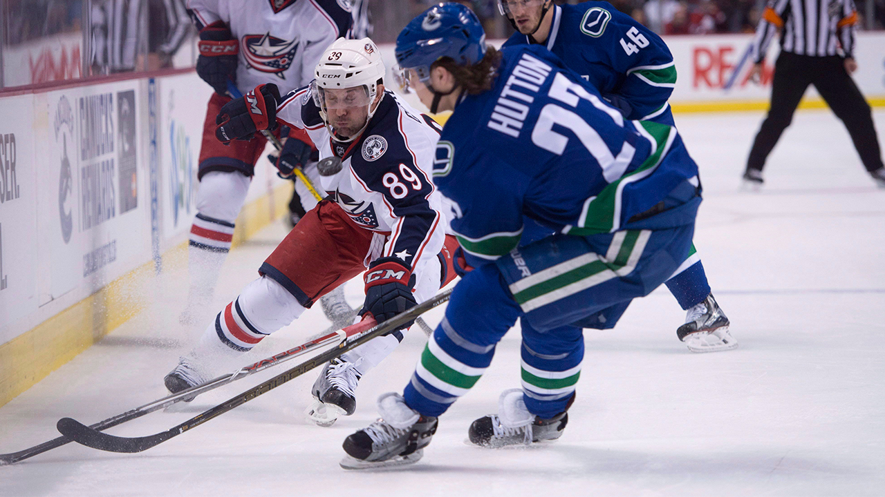 Gagner to help Canucks steer young players in right direction