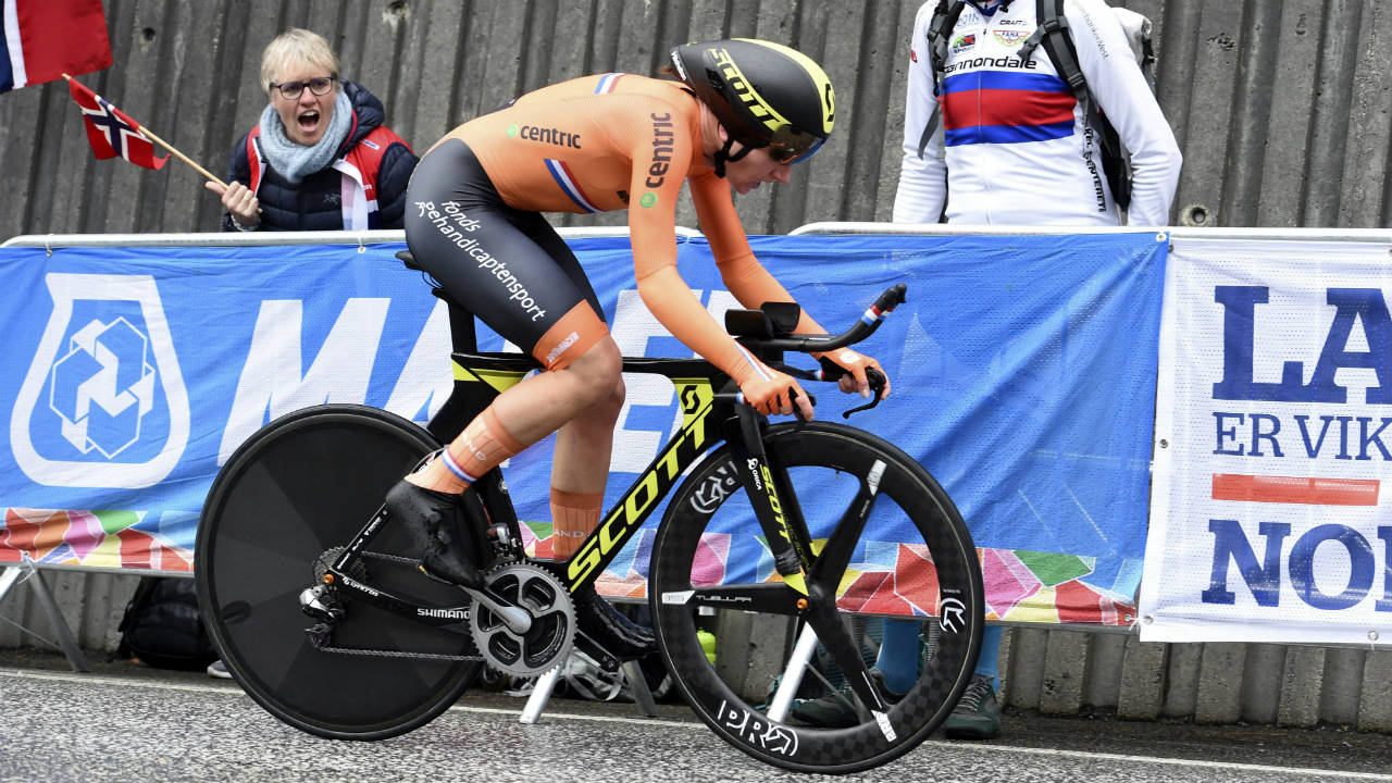 Annemiek van Vleuten captures world cycling time trial championship