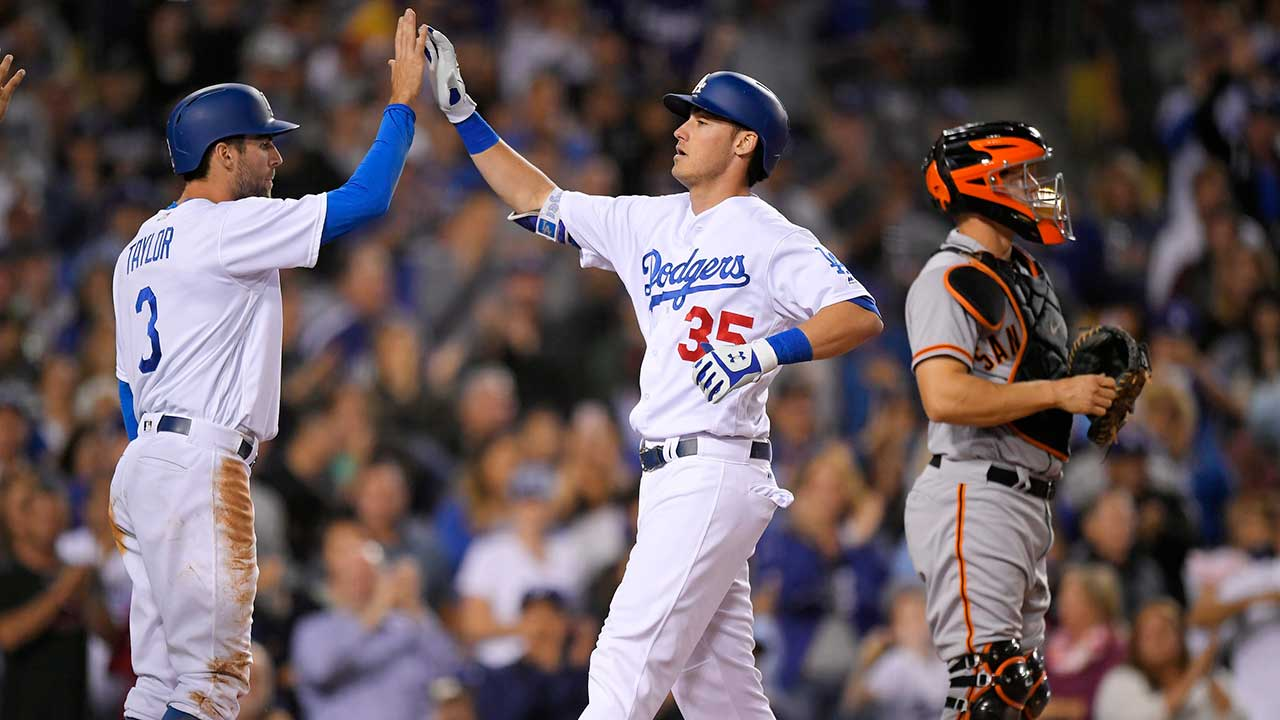 Dodgers' Cody Bellinger breaks NL rookie record with 39th home run