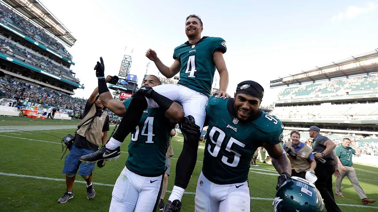 Elliott's 61-yard field goal gives Eagles stunning win over Giants