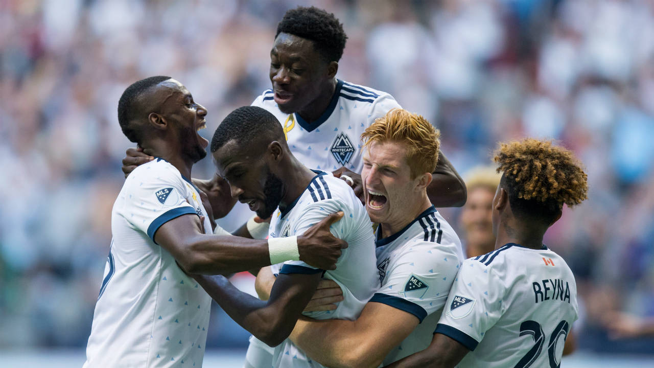 Tony Tchani scores in stoppage time as Whitecaps tie Crew
