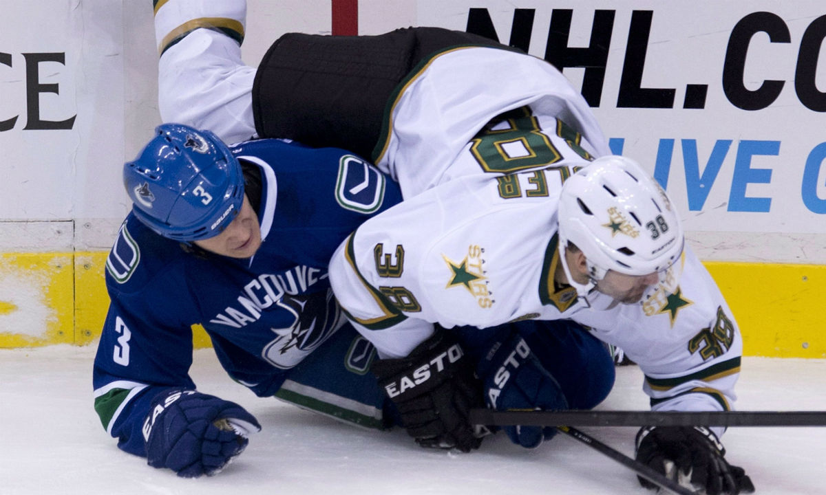 Years after ribbing Canuck, Fiddler asked to 'show me your Bieksa face'