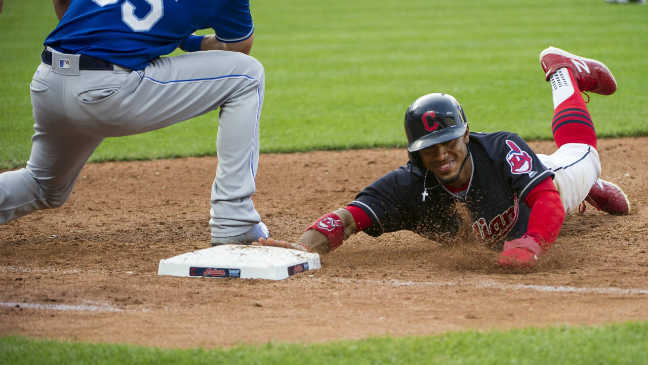 Indians close in on AL Central title, beat Royals