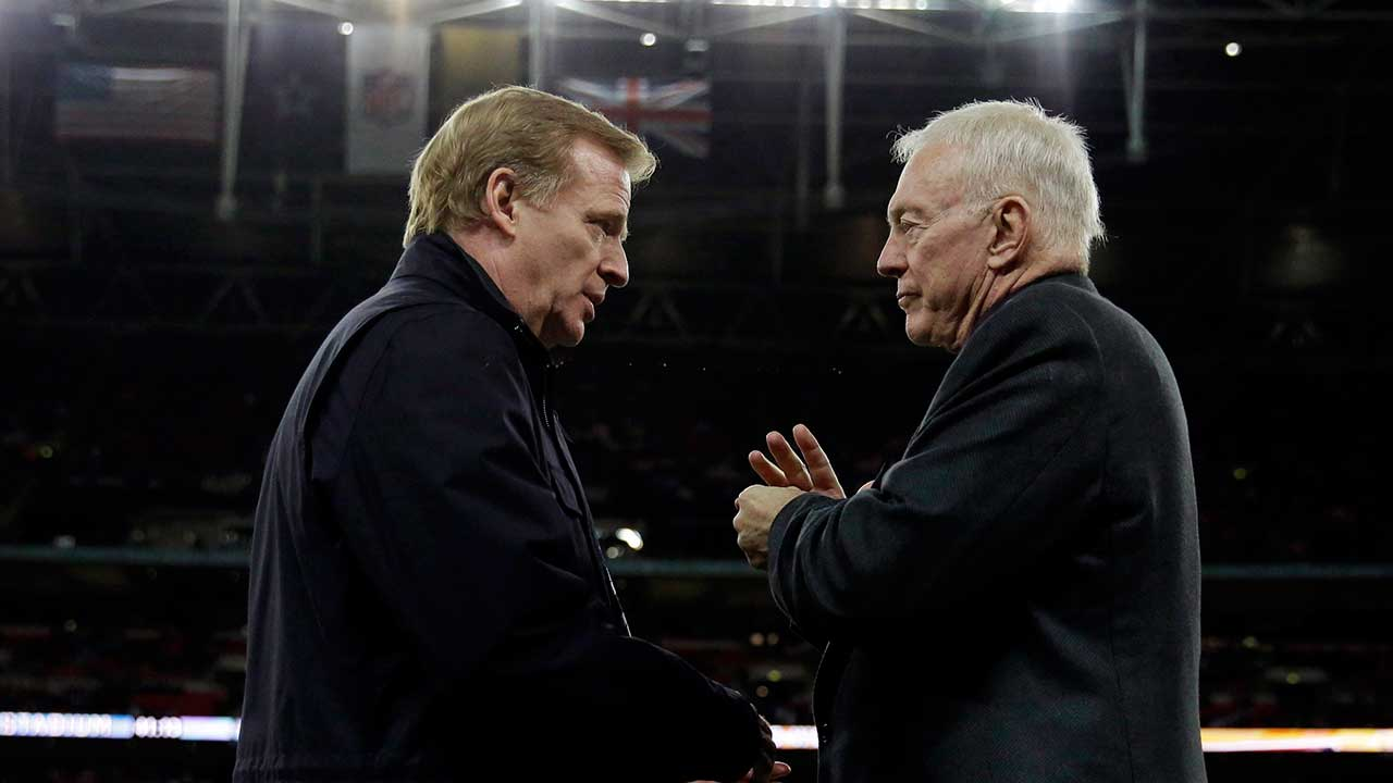 Report: Jerry Jones slowing down Roger Goodell contract negotiations