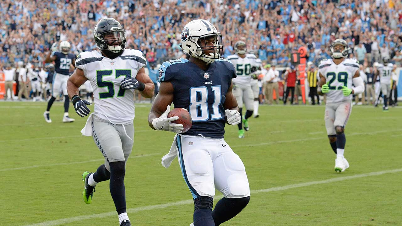 Titans score 21 straight points to rally past Seahawks