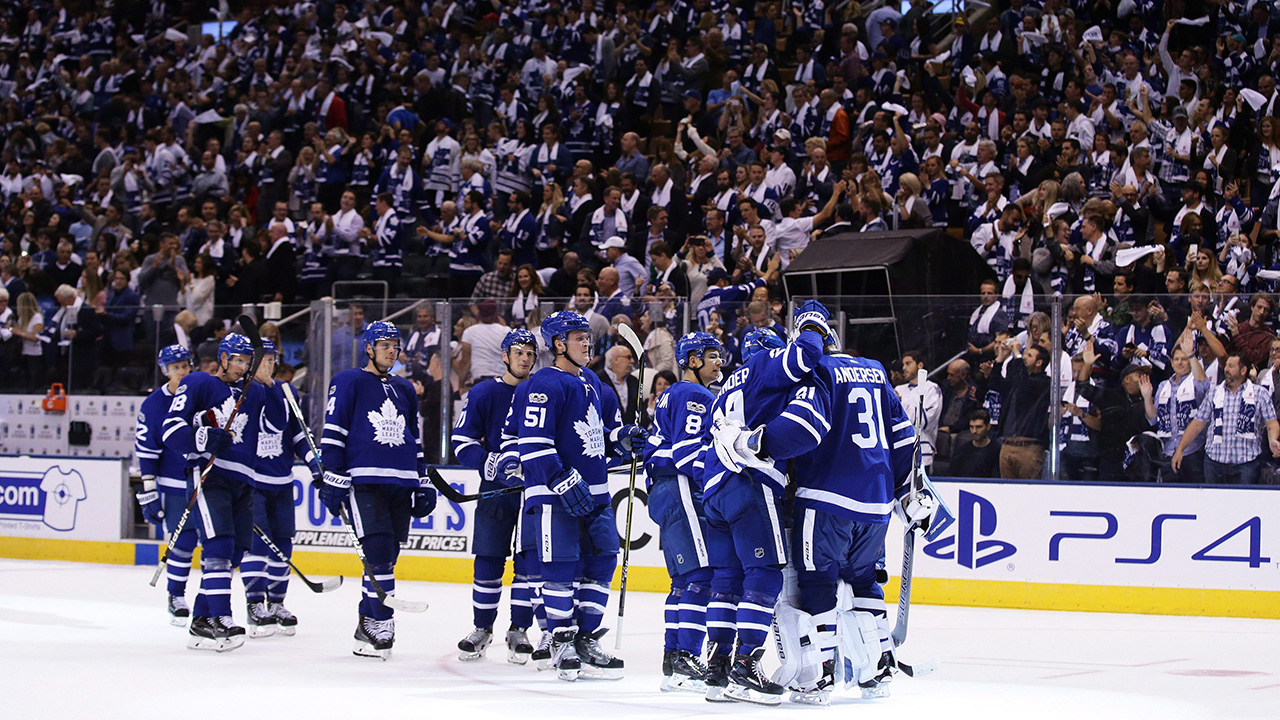 Maple Leafs scoring at historic pace to begin season