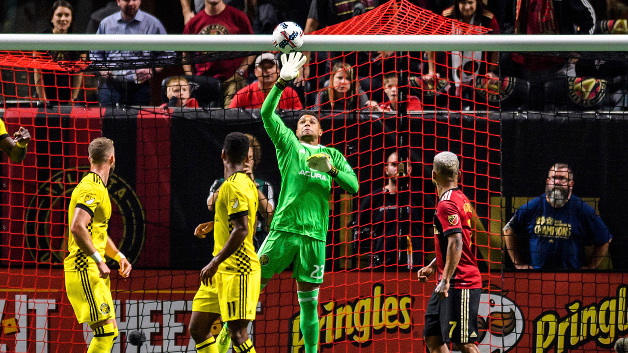 Steffen shines as Crew tops Atlanta on penalties; Dynamo also advance
