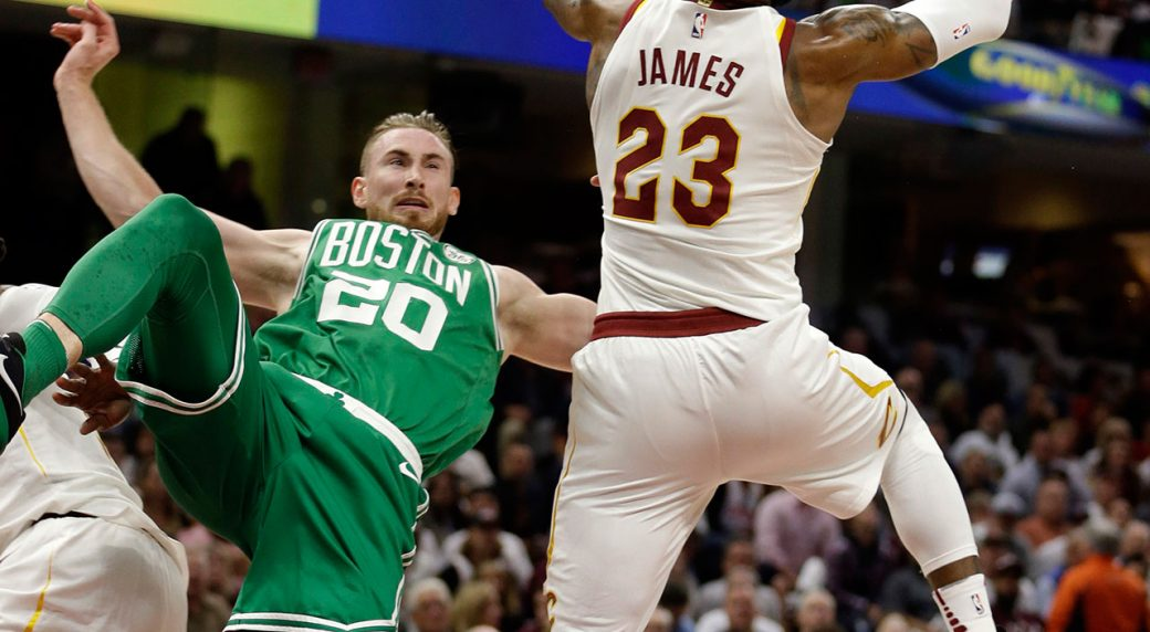 Celtics' Gordon Hayward suffers gruesome ankle injury ...