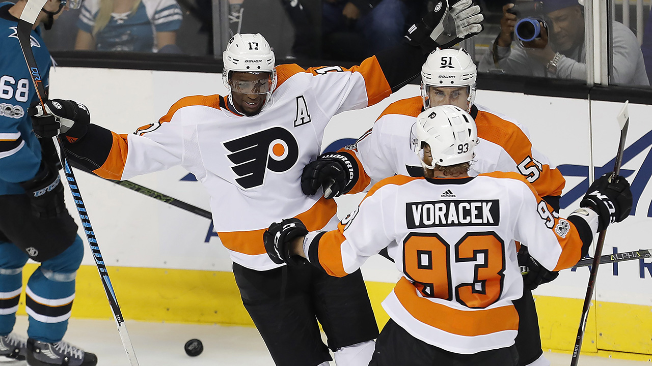 Simmonds scores hat trick in Flyers' win over Sharks