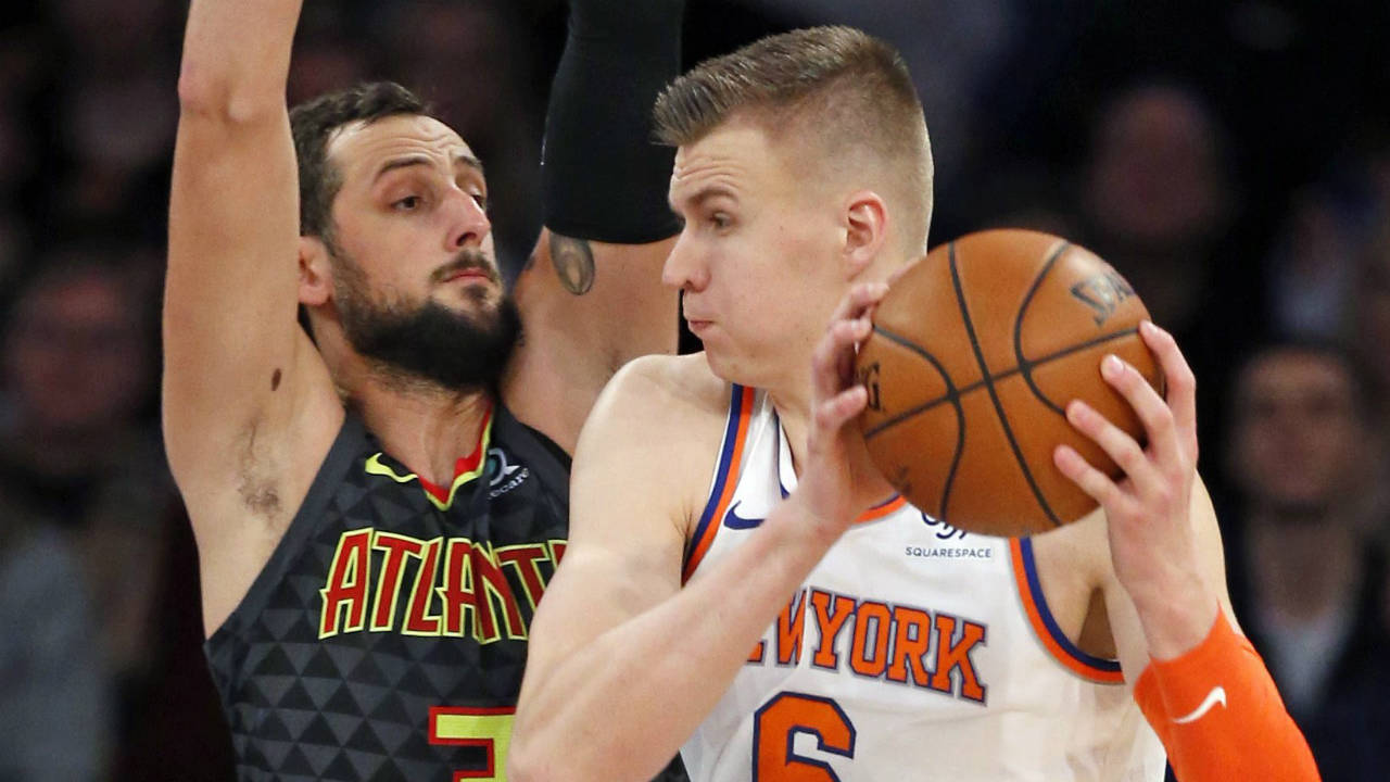 Kristaps Porzingis scores 30, Knicks hold off Hawks for win