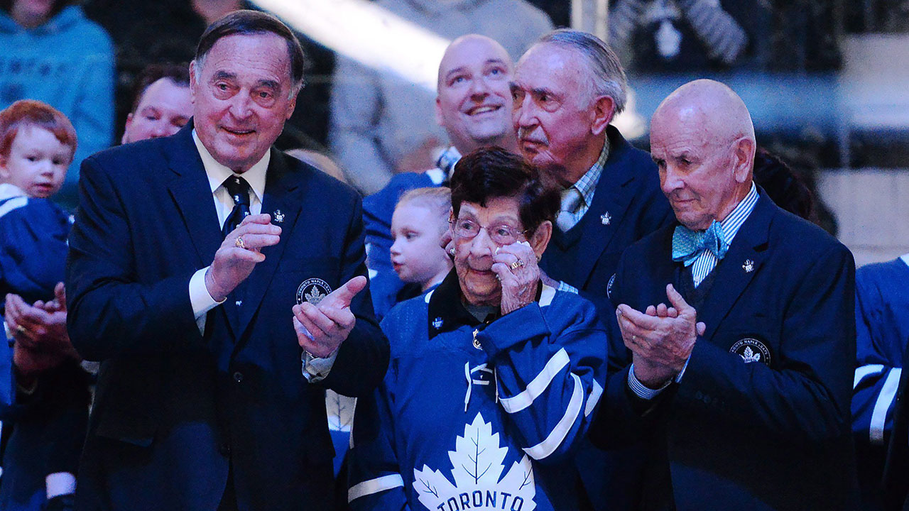d5e2c1fe70a Maple Leafs honour the late Johnny Bower with pre-game ceremony -  Sportsnet.ca