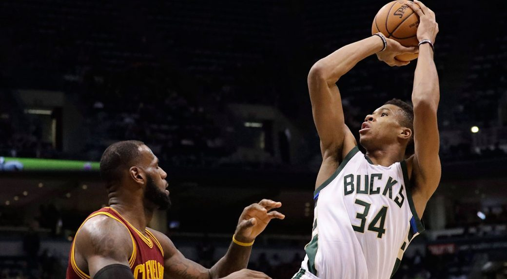 Bucks' Antetokounmpo leads NBA All-Star balloting