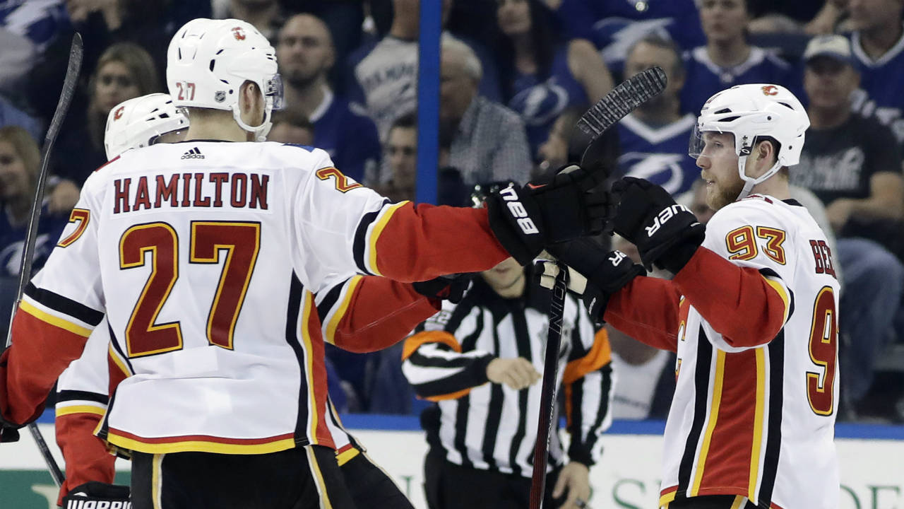 Flames Beat NHL-leading Lightning For 5th Straight Win