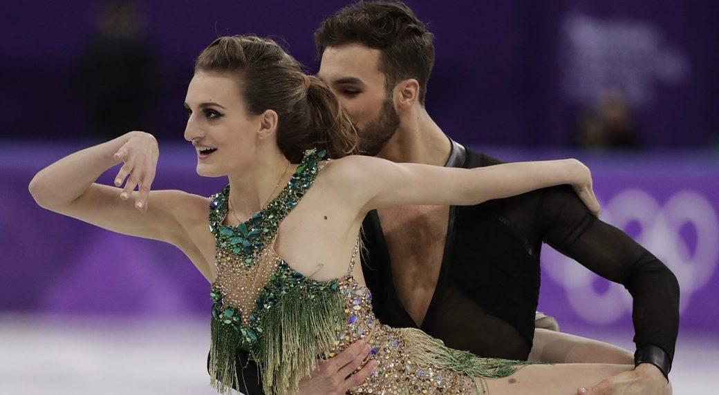 French skater Gabriella Papadakis has major wardrobe malfunction