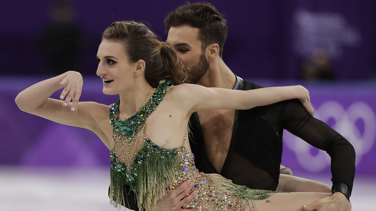 Papadakis perseveres through wardrobe malfunction with strong performance