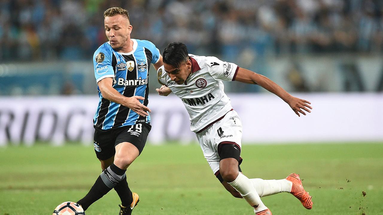 Barcelona reaches agreement for Gremio midfielder Arthur