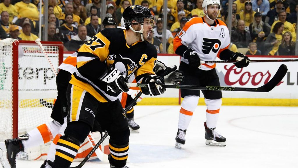 7dd246c6e3f Crosby s hat trick powers Penguins past Flyers for Game 1 win - Sportsnet.ca
