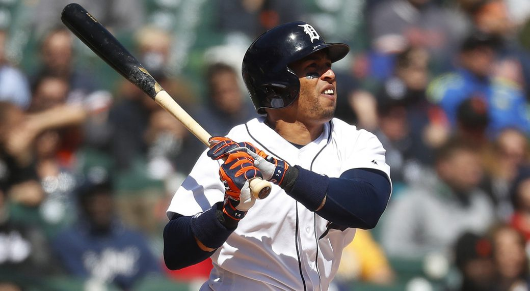 Tigers trade center fielder Leonys Martin to the Indians