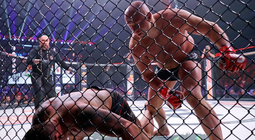 Fedor Emelianenko KO's Frank Mir After 48-Second Back-And-Forth War